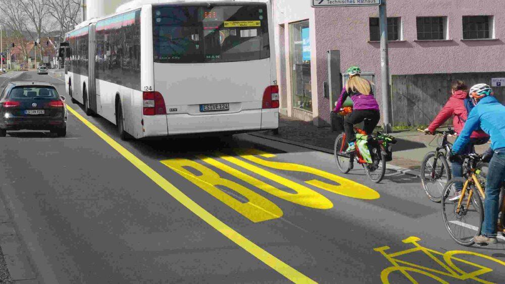 Rad- und Busspur auf dem Esslinger Altstadtring