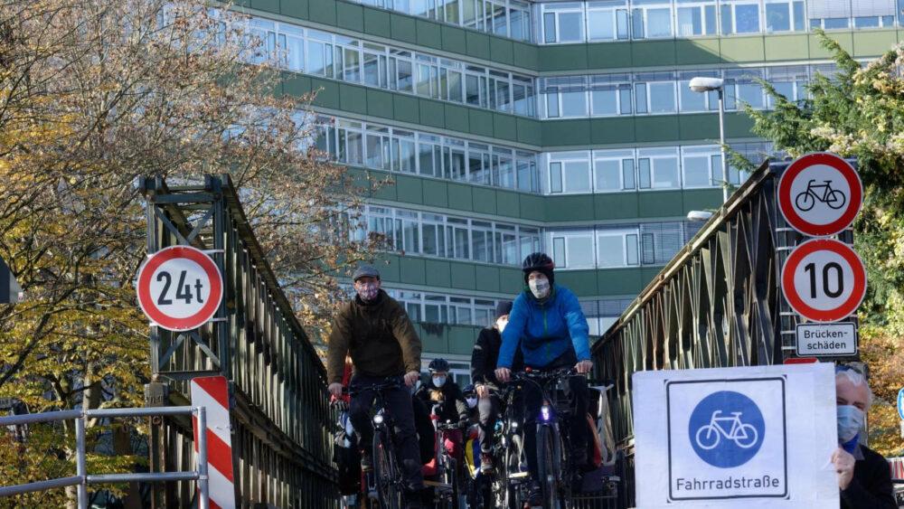 Die neue Pulverwiesenbrücke am Landratsamt braucht eine breite Radführung - vorzugsweise als 4 Meter breite Fahrradstraße.