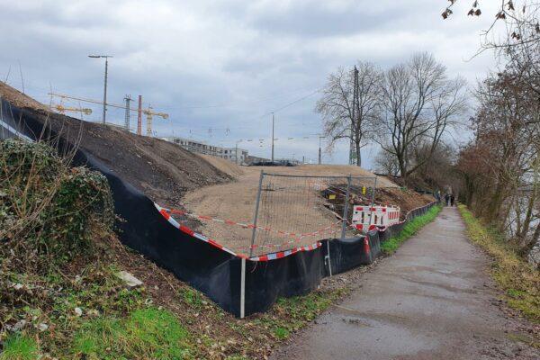 Fertige Rampe bleibt für Radverkehr gesperrt