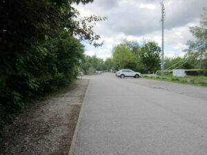Parkplatz beim Steg zur Neckarinsel